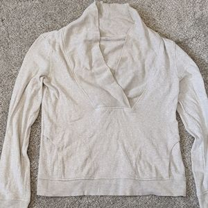 Banana republic cream cowl sweater with pockets